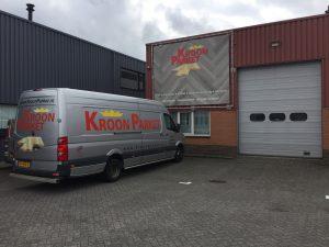 winkel magazijn front kroon parket Nieuw vennep