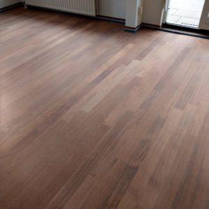 merbau tapis vloer in stroken gelegd aanheling en schuren 05