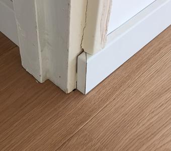 inzagen neuten inhouten deurpost